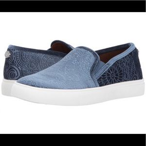 Steve Madden Kelvin Blue Velvet Slip on Sneakers